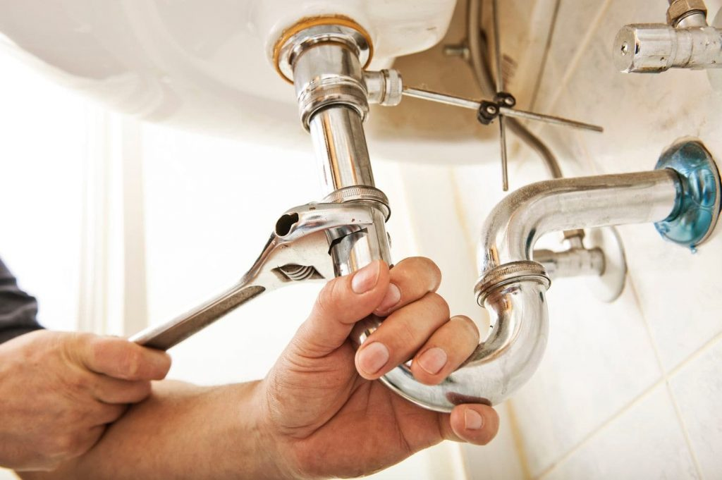 How to Find the Best and Nearest Plumber?